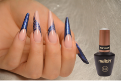Nail Art aux traits fins